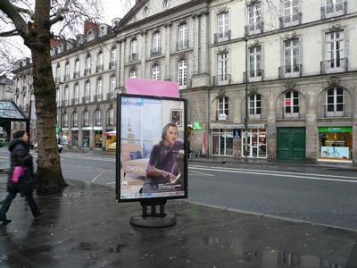 nantes_busstop.jpg